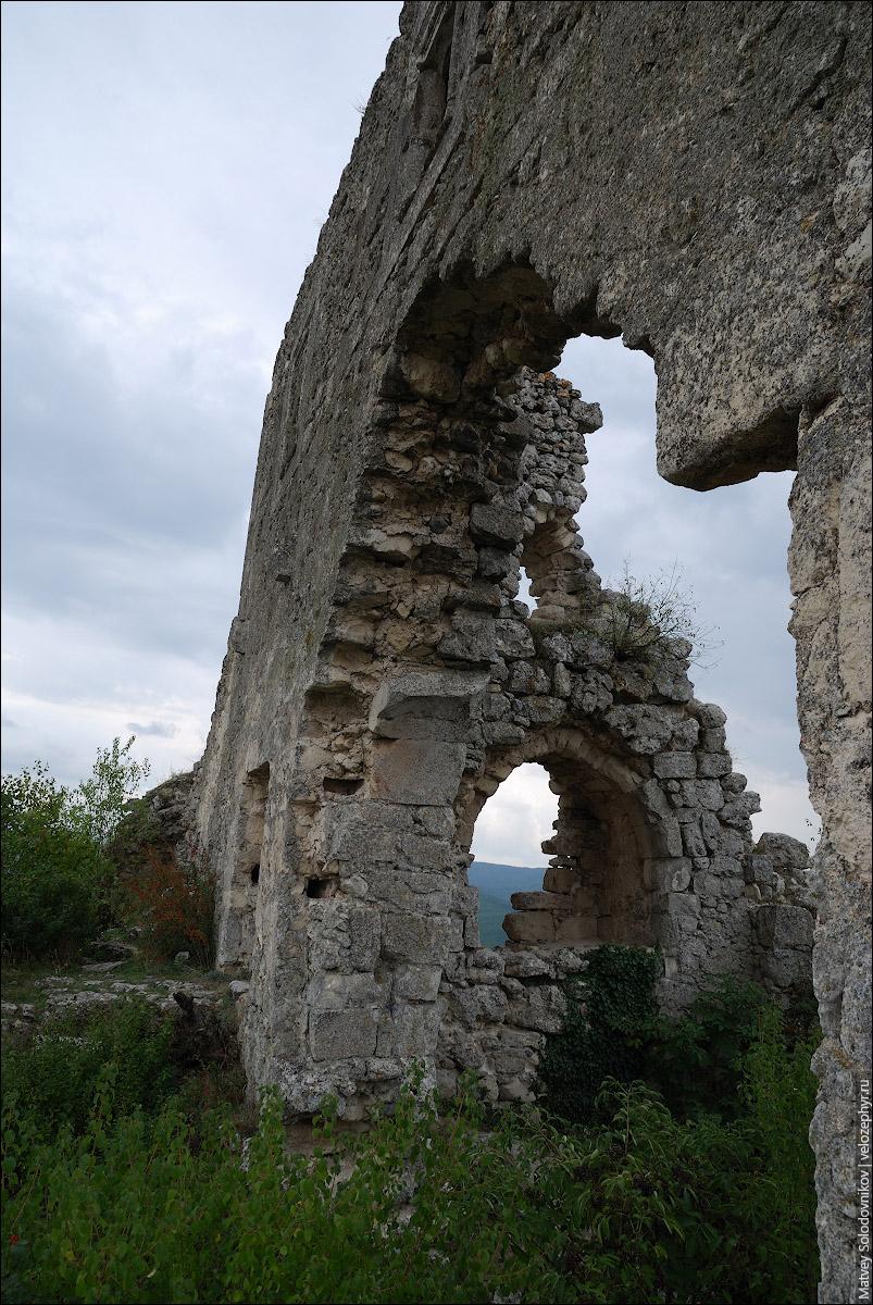 Руины цитадели на мысе Тешкли-Бурун