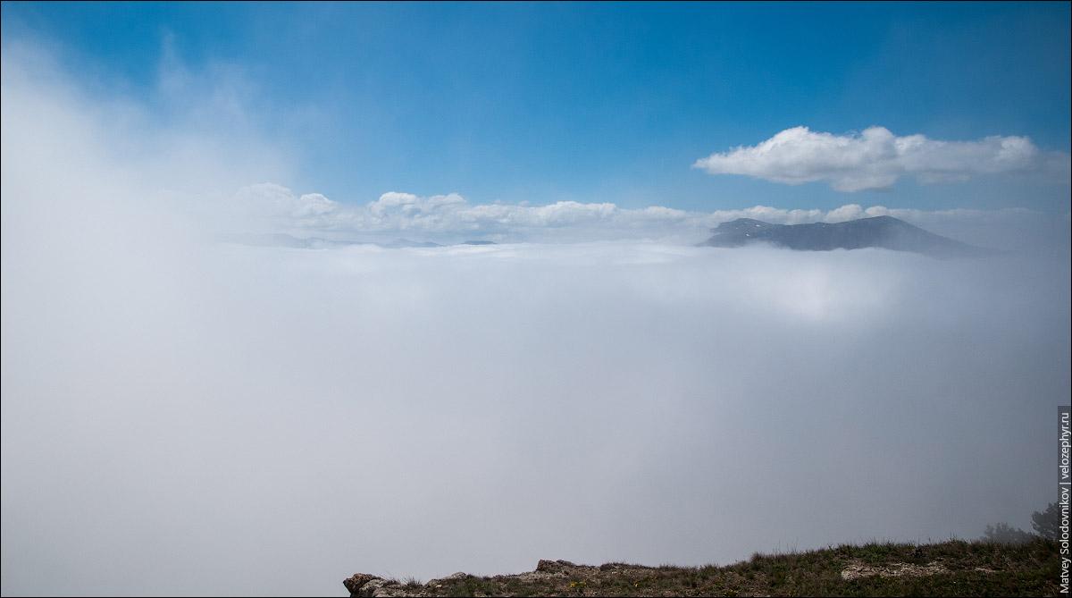 Чатыр-Даг виден в облаках