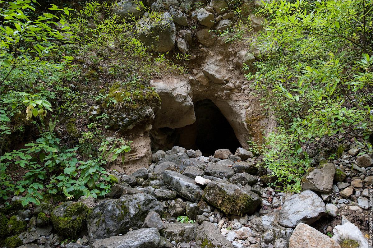 Пещера Святого Кипучего Слона
