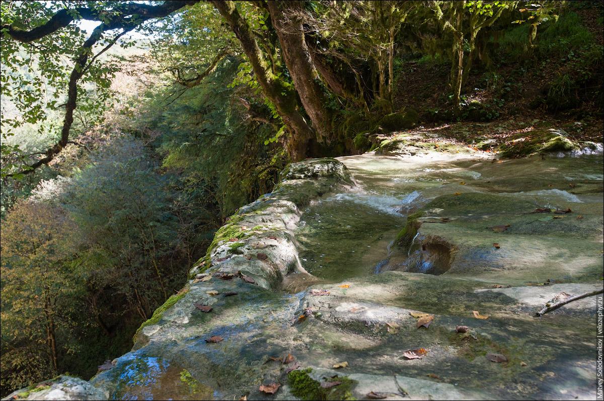 Шакуранский водопад, вид на верхний порог