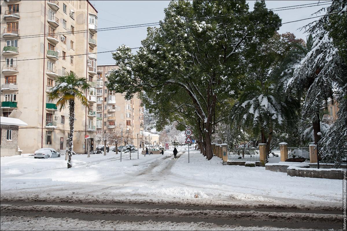 Сухум в снежном коллапсе