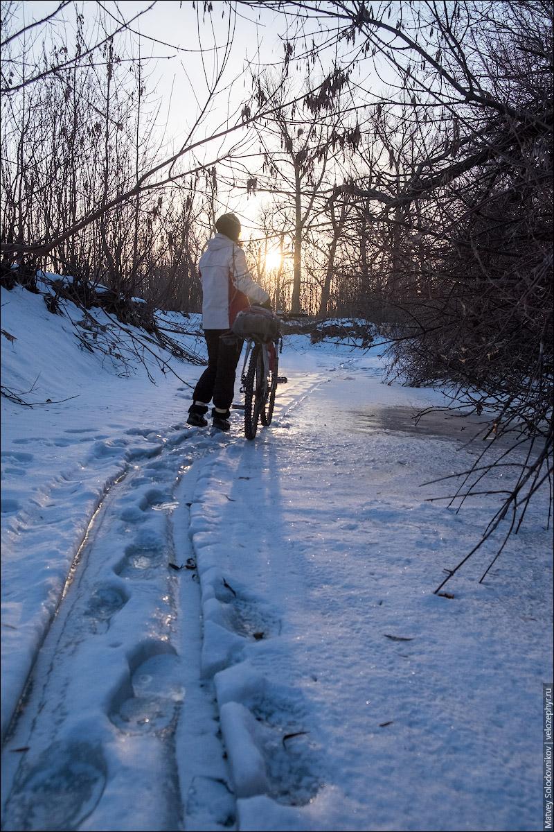 То ли лыжник проехал, то ли санки