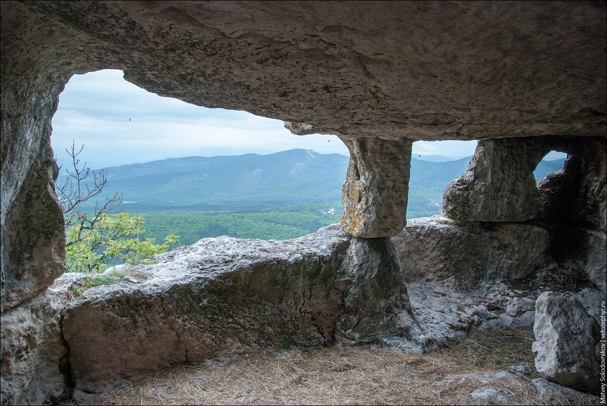 В пещерах Мангупа