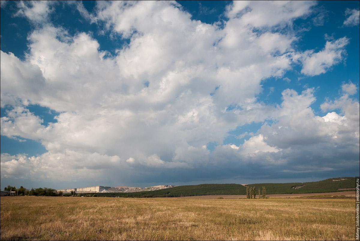 Вид на Ак-Кая (Белую скалу)