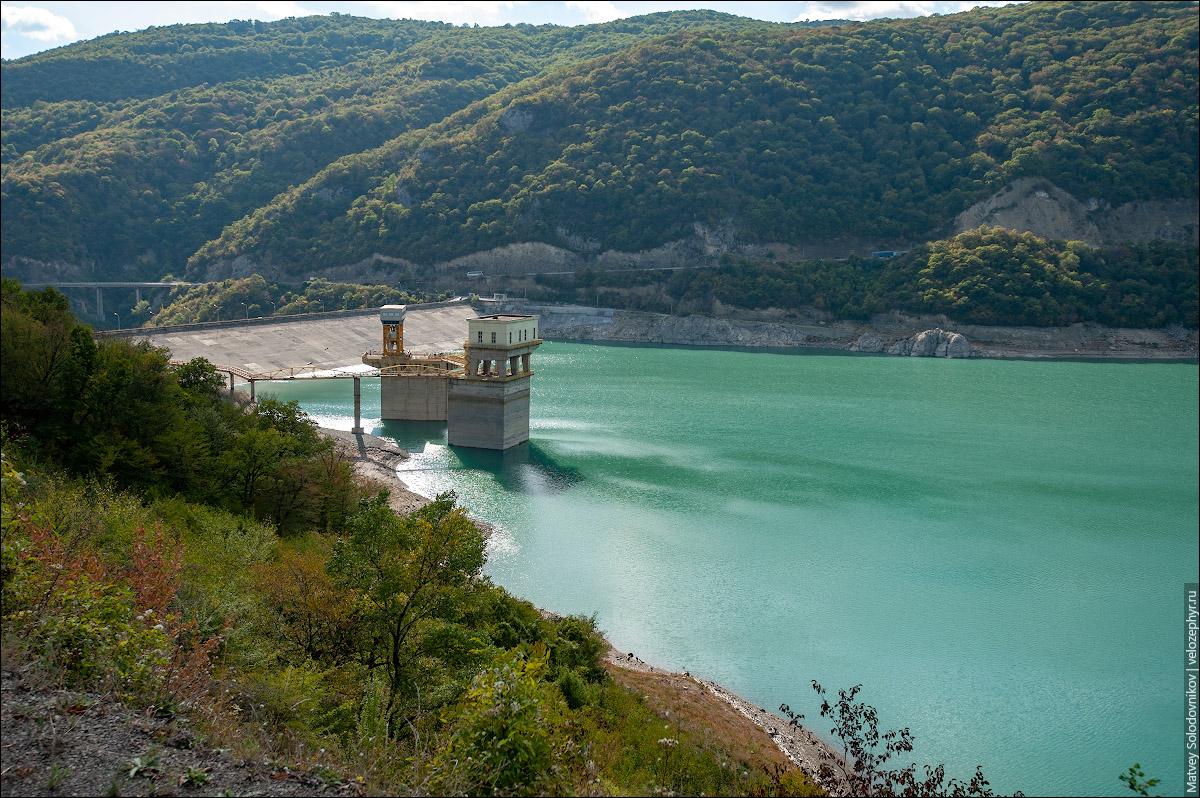 Жинвальское водохранилище. Гидротехническое сооружение